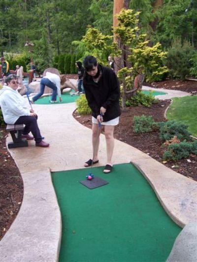 Carina_golfing