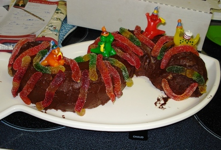 Baby_worm_cake