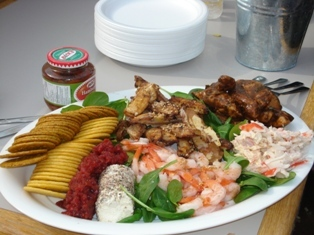 Outdoor_lunch_feast